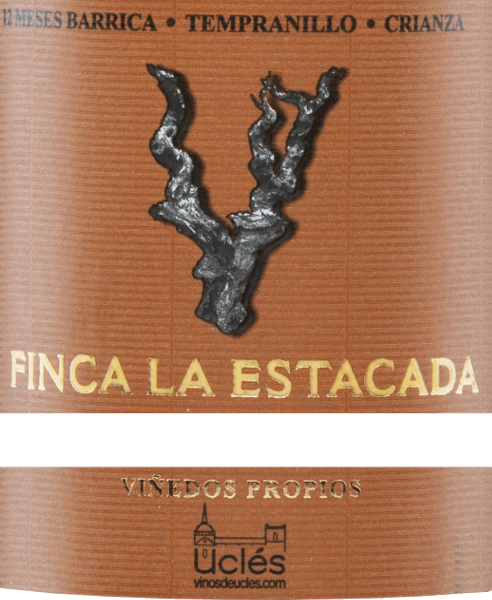 The 12 Meses Barrica Crianza from Finca la Estacada shines in the glass in a deep cherry red with violet edges. This pure red wine smells intense and concentrated of ripe blackberries and plums, surrounded by spicy hints. The powerful taste is reminiscent of fruity notes and toasty aromas of wood ageing. Soft tannins caress the palate and an elegant, long finish rounds off this Spanish red wine. Vinification of Finca la Estacada 12 Meses Barrica Crianza The harvested grapes of the Finca la Estacada are first destemmed, macerated and the resulting mash fermented at controlled temperatures in stainless steel vats. After the fermentation is finished, this wine matures for 12 months in American oak barrels before this red wine finally rounds off for another five months in the bottle. Food recommendation for the 12 Meses Finca la Estacada Barrica Crianza This dry red wine from Spain goes very well with tapas, ham, lamb, beef, steak and mature hard cheeses.