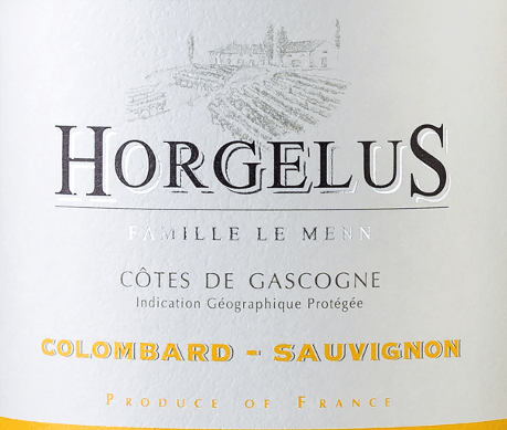Domaine Horgelus Blanc Côtes de Gascogne IGP by Domaine Horgelus impresses with its brilliant light yellow colour, its varietal fresh and intense bouquet in which citrus aromas, tropical fruits and floral notes predominate. A very successful and tasteful cuvée, which is fruity and elegant on the palate with a lively acidity structure and a slightly mineral aftertaste. Cultivation and vinification of Horgelus Blanc wine On the sunny slopes of Gascogne, in the heart of south-western France, the vines for the wines of the Domaine Horgelus winery of the Le Menn family grow. With Yoan, it is already the fifth generation to produce wines, new wines are created every year, new cuvées that continue the spirit of the domain: pleasant wines, uncomplicated and easily accessible to many people and for every occasion. Domaine Horgelus white wine is made from 75% Colombard and 25% Sauvignon, grown in the vineyards of the 66-hectare Domaine. The secret of Yoan Le Menn's wines is to preserve the fruity aromas and freshness of his wines. For this reason, harvesting takes place from 3 a.m. to the early morning to take full advantage of the cool hours of the morning. Alcoholic fermentation at controlled temperatures takes place immediately after gentle pressing in stainless steel tanks. The bottled wines such as Horgelus Blanc surprise with their rich bouquets and fruity taste. Awards and Honours of the Horgelus Blanc ConcoursGénéral Agricole 2018 - Gold Foodpairing/Food recommendation for the Horgelus BlancColombard Sauvignon This fresh, finely fragrant Horgelus white wine from Gascony is a wine for everyone and for many occasions. The uncomplicated Frenchman goes perfectly with poultry, light meat, steamed fish and seafood, mixed salad with vinaigrette.