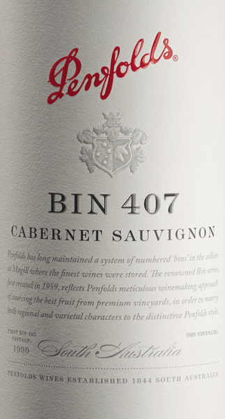 The Bin 407 Cabernet Sauvignon from Penfolds is a complex, concentrated and elegant red wine from the Australian wine region of South Australia. In the glass, this wine is presented in a violet color with purple highlights. After decanting, this red wine presents itself with distinct aromas of juicy blackcurrants, mulberries, blueberries and dried vegetative notes (mint, fennel and anise). After a short time, notes of dried tomato as well as some leather and graphite show up. The body is full and powerful. This Australian Cabernet has pressure and potential. The tannins are velvety, lively and blend harmoniously into the entire composition - supported by a fresh acidity and dense fruit fullness. In the remarkable finale, this red wine is fruity, with hints of caramelized shade morals and a pleasant earthy tone as well as a hint of peppermint. Vinification of the Penfolds Bin 407 Like most wines from Penfolds, the Bin 407 is one of the so-called Multi-Regional & Multi-Vineyard blendings. In you, the best grapes from different regions are composed to grape varietal, varietal wines. Separated by origin and parcels, the mash is traditionally fermented in stainless steel tanks. This red wine is then aged in small French (25% new wood) and American oak (9% new wood) barrels for 12 months. After maturation, this wine is gently removed, married to the Final Blend and rests for another year on the bottle in the wine cellars of Penfolds. Food recommendation for the Cabernet Sauvignon Bin 407 Penfolds Before enjoying this dry red wine from Australia with rich ragouts of lamb or oxen, roasted duck breast or with dishes with white beans, decant it at least one hour before enjoyment. Bin 407 Penfolds Cabernet Awards Robert M. Parker - The Wine Advodate: 90 points for 2016
