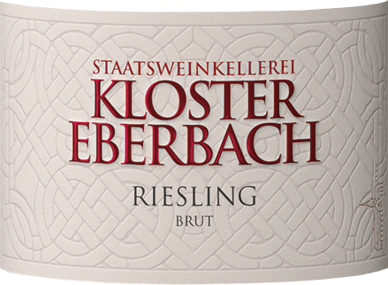Riesling Sekt brut from Kloster Eberbach is a wonderful sparkling wine from the German Rheingau region. In the glass, this wine presents itself in a delicate straw yellow with persistent perlage in fine beaded cords. The intense aromas of yellow stone fruit (apricot and peach) together with notes of juicy apples pamper the nose. On the palate, this German sparkling wine has a sweetly ripened apple fruit with hints of herbs. This sparkling wine is wonderfully accessible and straightforward. Food recommendation for the monastery Eberbach Riesling Sekt This sparkling wine from Germany is an excellent accompaniment to seafood, crustaceans and light fish dishes. But also with desserts or well chilled as an aperitif a real treat.