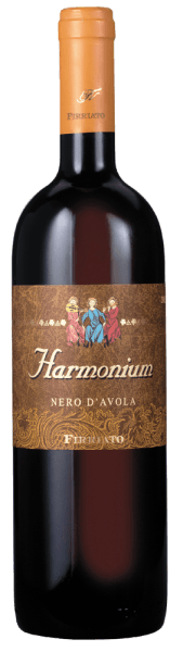 The title of the ruby red harmonium Sicilia IGT by Firriato already suggests its harmonious, pleasant character with the velvety tannins. A strong, intensely fruity aroma of overripe cherries and maraschino cherries is enhanced by shades of dark chocolate, liquorice and tobacco. On the palate, the perfect balance of tannins and acidity ensures aroma richness and mineral notes. Enjoy with grilled meat, roasts and spicy cheeses.