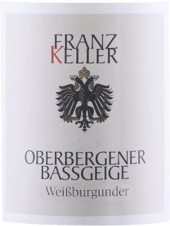 The Oberbergener Bassgeige Pinot Blanc from Weingut Franz Keller in Baden presents a brilliant, light yellow color in the swirled glass. To the nose, this Weingut Franz Keller white wine reveals all sorts of apples, pears, quince and nashi pear. As if that wasn't already impressive, the stainless steel aging adds more flavors like walnut, juniper, and whole-nut chocolate This white wine from Weingut Franz Keller is ideal for all wine enthusiasts who like it dry. However, it is never dry or brittle, but round and smooth. In the finish, this white wine from the wine-growing region of Baden finally inspires with good length. There are again hints of quince and apple. In the finish, mineral notes of the soils dominated by loess and volcanic rock are added. Vinification of the Oberbergener Bassgeige Pinot Blanc from Weingut Franz Keller The elegant Oberbergener Bassgeige Pinot Blanc from Baden is made from grapes of the Pinot Blanc variety. In Baden, the vines that produce the grapes for this wine grow on soils of loess and volcanic rock. After the hand harvest, the grapes reach the winery by the fastest route. Here they are selected and carefully crushed. Fermentation then takes place in stainless steel tanks at controlled temperatures. The fermentation is followed by a few months of maturation on the fine lees before the wine is finally bottled. Food recommendation for the Weingut Franz Keller Oberbergener Bassgeige Pinot Blanc This white wine from Germany is best enjoyed well chilled at 8 - 10°C. It is perfect as an accompaniment to leek soup, veal and onion casserole or potato pan with salmon.