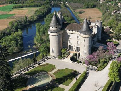 Aerial view of the Château Mercuès