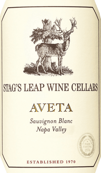 The Aveta Sauvignon Blanc by Stag's Leap Wine Cellars from the American wine region Napa Valley is a fresh and lively white wine cuvée that combines the Sauvignon Blanc (86%), Sauvignon Musque (10%), Semillon (3%) and Muscat (1%) grape varieties. In the glass, this wine shimmers in a clear lemon yellow with glittering highlights. The expressive bouquet reveals fresh aromas of matured mandarins, juicy nectarines, lemongrass and a vegetarian touch of freshly cut grass. With a vital and fresh body, this American white wine convinces the palate. Notes of sun-ripened citrus fruits and nuances of orange blossoms merge with the present acidity, which lasts until the long reverberation. Vinification of Stag's Leap Sauvignon Blanc Aveta The grapes for this white wine come from a wide variety of locations in the Napa Valley. The grapes are carefully picked by hand from the end of August to mid-September and brought to the wine cellar of Stag's Leap. The must is fermented at cooler temperatures in stainless steel tanks (52%), oak barrels (47%) and concrete tanks (1%). This wine is then aged for a further 6 months and is aged on the yeast (sur lie) in French oak barrels. The must is stirred every two weeks. Food recommendation for the Sauvignon Aveta Stag's Leap Enjoy this dry white wine from the USA with fish in fine lemon-herb crust, fresh shells in the white wine brew or with grilled seafood with crisp salad.