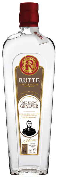 The Old Simon Genever from Rutte is made according to an old recipe of the founder Simon Rutte. In the glass, this Genever is presented in a clear and bright yellow with the delicate aromas of cereals and herbs, as well as hazelnuts. The Old Simon is pleasant and light on the palate and convinces with its nutty notes before ending in a velvety reverberation. Production of the Rutte Old Simon The recipe of this genever contains traditional ingredients from the Netherlands such as juniper berries, but also other botanicals such as: roasted walnuts and hazelnuts, angelica root, angelica seeds, coriander, oris root, nutmeg, celery, carob, licorice and fresh fruit. These ingredients are already added to this spirit during distillation, which ensures the intense aromas and flavours .