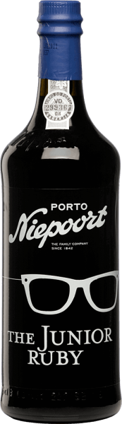 The Junior Ruby Port from Niepoort is a young, full-bodied and fruity port wine from Sousão, Tinta Amarela, Tinta Cão, Tinta Francisca, Tinta Roriz, Touriga Francesa, Touriga Nacional and other red Portuguese grape varieties. In the glass, this port presents itself in a bright, dark red. The appealing aromatic nosereveals intense notes of ripe fruit - particularly ripe plums and juicy cherries stand out. The bouquet is accompanied by nuances of cocoa and dark chocolate. On the palate, this port wine is wonderfully velvety and soft. A port with a lot of taste and abundance. Vinification of NiepoortThe Junior Ruby Port The hand-picked grapes, from older vineyards in the Cima Corgo region in the Douro Valley, are fermented in traditional lagars. Subsequently, this port matures for an average of three years in large wood fodder in the Niepoort cellars of Vila Nova de Gaia before this port wine is bottled. Food recommendation for Niepoort PortThe Junior Ruby We recommend this port wine with desserts with dark chocolate, blue cheese and hard cheese.