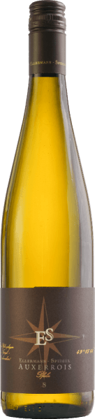 The Auxerrois estate wine dry from Ellermann - mirror platinum yellow in the glass, is elegant and fine, but at the same time extremely powerful. The nose shows a wonderful variety of aromas of fresh honey melon, white fleshy peach and ripe apple. Spicy nuances and floral notes complement the lively and fragrant impression. On the palate, the Auxerrois from the Palatinate is wonderfully juicy, soft and dusty. The combination of a lot of extract and sparkling acidity suits this grape variety excellently.The finale lasts a long time and makes you want to sip some more. Food recommendation for the Auxerrois by Frank Spiegel from the Palatinate. Enjoy this dry white wine with dishes with chicken or turkey, but also with spicy fish dishes or a medium-strength cheese.