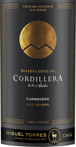 Miguel Torres Chile's Cordillera Carmenère is a grape varietal, aromatic red wine fromthe Valle de Curico in the Valle Central wine region. In a very deep ruby red with strong red shades, this wine is presented in the glass. An expressive bouquet with varietal aromas unfolds in the nose - ripe blackberries and juicy currants merge with notes of eucalyptus and leather, accompanied by fine notes of cloves, bay leaves and black pepper. The body is wonderfully full-bodied on the palate with round tannins that are perfectly integrated. The aromas of the nose also pamper the palate and are accompanied by subtle spices and roasting notes of the barrel maturity. With a pleasant, persistent length, this Chilean red wine closes. Vinification of the Torres CordilleraCarmenère After harvesting the grapes, they are almost strictly selected, destemmed, ground and mashed in the wine cellar. The mash is then fermented for 7 days at a controlled temperature of 28 degrees Celsius in a stainless steel tank. The maceration time for this red wine is one month. This wine is then gently removed and aged in French oak barrels for a total of 11 months. Of these, 30% are new wood and 70% are secondary barrels. Food recommendation for the CarmenèreMiguel Tores Cordillera Enjoy this dry red wine from Chile with strong meat dishes from the oven - such as lamb roasts with rosemary potatoes - with freshly grilled or matured hard cheeses.