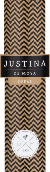 Justina Bobal from Bodega De Moya in the D.O. Valencia is vinified from the Spanish Bobal grape variety in combination with Syrah. This red wine is a tribute to his youngest daughter Justina. This creates a full-bodied, fruity cuvée, which is presented in the glass in a deep dark ruby red. The rich aroma in the nose ranges from ripe red fruits, to prunes and raisins to dried figs, walnuts and vanilla, the more this wine unfolds its bouquet. On the palate, this Spanish wine comes full-bodied and fresh, the ripe fruit notes and hints of roasted aromas combine with the well-integrated tannins to create a long, soft finish. Vinification of De Moya Justina Bobal This Spanish red wine is a cuvée of 90% Bobal and 10% Syrah of the estate's vines of Bodega De Moya in the mountains behind Valencia, not far from the Spanish Mediterranean coast. The grapes on the 40-hectare vineyard are grown in a yield-reduced manner and selectively hand-picked. After the temperature-controlled mash fermentation, Justina Bobal is aged for another 4 months in American and French oak barrels before this wine is pulled onto the bottle. Food pairings for Justina Bobal from Bodega de Moya This tasty, fruity Spanish red wine is a perfect accompaniment to pasta with meat sauces, lasagna, poultry, meat with sauces and grilled meats. Also drunk solo, this dry red wine is a delight.