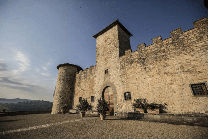 Eingang des Castello di Gabbiano