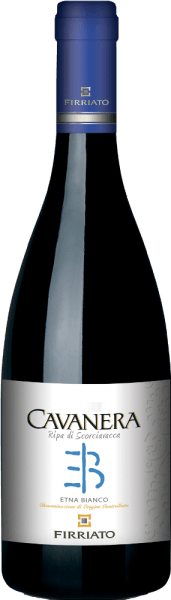 This cuvée of Carricante and Catarratto captivates with a charm that comes from a stylistic severity and a minerality. The Cavanera Ripa di Scorciavacca Etna Bianco DOC by Firriato pampers with beautiful aromas of apple, white fruits and yellow field flowers. This Sicilian reveals a delicious balance between fruit and acidity in the finale and is a beautiful companion to poultry liver terrine, gnocchi with herbs and goat cheese.