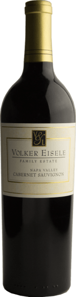Volker Eisele's Cabernet Sauvignon is a wonderful California red wine cuvée made from Cabernet Sauvignon (78%) and Merlot (22%). The nose is pampered by juicy blueberries and blackcurrants - underpinned by floral notes. On the palate, this wine presents itself with aromas of ripe heart cherries and vanilla. The balanced acid is perfectly woven into the ripe tanning frame. The body is wonderfully full-bodied, which is only so full of elegance. The texture convinces with a dense, velvety character. The finale comes with length and balance between acidity and fruit. Vinification of Volker Eisele Cabernet Sauvignon The grapes come from different plots of the Chiles Valley vineyard and are both harvested separately and fermented separately in stainless steel tanks. This wine is then aged for a total of 22 months in French oak barriques (Ailler and Troncais). This red wine is not refined and is only subjected to slight filtration. Food recommendation for the Cabernet Sauvignon by Volker Eisele Family Estate Enjoy this dry red wine from California for cozy barbecues with family and friends or with dishes with lamb and rosemary. Awards for Volker Eisele Cabernet Sauvignon Wine Enthusiast: 90 points for 2014 James Suckling: 93 points for 2014 Wine Enthusiast: 94 points for 2013 Robert M. Parker: 91 points for 2013 and 2014 James Suckling: 92 points for 2013 Wine Spectator: 87 points for 2013