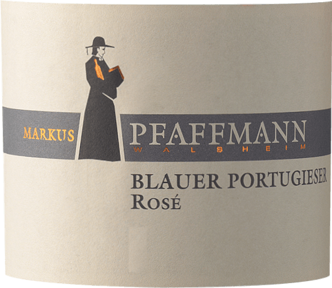 The Blauer Portugieser Rosé of Markus Pfaffmann from the Palatinate offers a brilliant, strong rosé red color in the wine glass. In the glass, this rosé wine from Markus Pfaffmann offers aromas of morello cherries, plums, damsons and black cherries, complemented by other fruity nuances. The Blauer Portugieser Rosé can be described as particularly fruity and velvety, as it was vinified with a wonderfully sweet taste profile. Light-footed and multi-layered, this crisp rosé wine presents itself on the palate. Due to its present fruit acidity, the Blauer Portugieser Rosé shows itself impressively fresh and lively on the palate. The final of this rosé wine from the wine-growing region Palatinate finally inspires with good reverberation. Vinification of the Blauer Portugieser Rosé from Markus Pfaffmann The elegant Blauer Portugieser Rosé from Germany is a single-varietal wine made from the grape variety Blauer Portugieser. After the hand harvest, the grapes reach the press house as quickly as possible. Here they are selected and carefully broken up. Fermentation follows in stainless steel tanks at controlled temperatures. The fermentation is followed by a few months of maturation on the fine lees before the wine is finally bottled. Food recommendation for Markus Pfaffmann Blauer Portugieser Rosé This German wine is best enjoyed well chilled at 8 - 10°C. It is perfect as a companion to Jamaican chicken legs with pineapple salad, onion tart with thyme or coconut-lime fish curry.