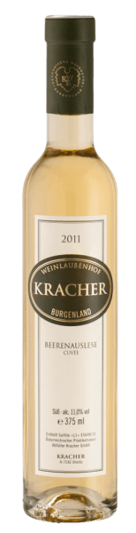The Cuvée Beerenauslese noble sweet from Kracher was aged 7 months in stainless steel tanks. The bouquet is dominated by a delicate honey note. On the palate you can experience a refreshing aroma of tropical fruits and a vitalising acidity. The finish of this wonderfully balanced cuvée of Welschriesling and Chardonnay is dominated by fine Botrytis notes and an elegant minerality. For the Cuvée Beerenauslese by Kracher only carefully harvested grapes were used, which were attacked by the noble rot Botrytis cinera and therefore have particularly concentrated aromas. The famous noble mould finds optimal conditions in the Kracher vineyards on the edge of the Seewinkel nature reserve, such as the damp morning mist that envelops the grapes and particularly warm, sunny days on which the grapes can dry so that they do not rot on the vine. Drink it pure to experience its full aroma, or with blue cheese or creamy desserts.