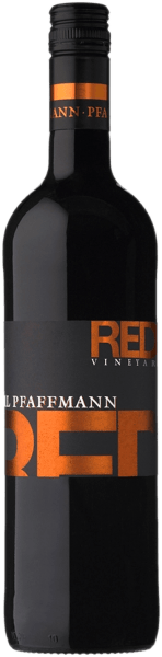 The Red Vineyard from Karl Pfaffmannshows itself in a deep dark purple. Fruity plum and blackberry aromas dominate the nose, followed by mocha and chocolate notes as well as a fine spicy wood nuance. On the palate, this red wine delights with its pleasant tannin structure, volume and juiciness. The finish of this cuvée is reminiscent of cherries and chocolate with a hint of spice. Vinification of the Karl Pfaffman Red Vineyard In order to meet the different demands of the individual grape varieties, they were grown in different vineyards and vinified separately. While Merlot prefers deep soils with an adequate water supply, Pinot Noirrequires sandy loess loam with lime influences. Finally, Dunkelfelder requires fertile soil. After the harvest, the grapes are destemmed and crushed in a mill, from which the mash is produced. This is now left to itself for a certain time before it ferments in the steel tank. The maceration time and also the movement of the mash vary depending on the variety. Finally, the wine is drawn off the mash and aged partly in stainless steel and partly in small or large wooden barrels. In this way, a harmonious interplay between fruit and wood is achieved Food recommendation for the Red Vineyard from Karl Pfaffmann Enjoy this dry red wine with intense meat and cheese dishes.
