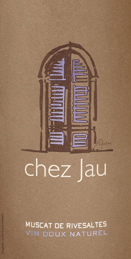 The Chez Jau Muscat de Rivesaltes from Château de Jau shines in a clear shiny yellow with golden green reflections. This French dessert wine has an elegant bouquet with fine notes of lychee and ripe yellow pears. Juicy and sweet on the palate with a hint of mint. Exotic aromas of honeydew melon, grapefruit and candied citrus fruits are added. The fresh acidity is perfectly integrated into the residual sweetness and harmonises perfectly with the finely balanced body. In the finish this sweet wine is powerful with a long aromatic aftertaste. Food recommendation of the Muscat de Rivesaltes Chez Jau Enjoy this sweet white wine from France with goose liver pâté, fruit tart or with Stilton or Gorgonzola.