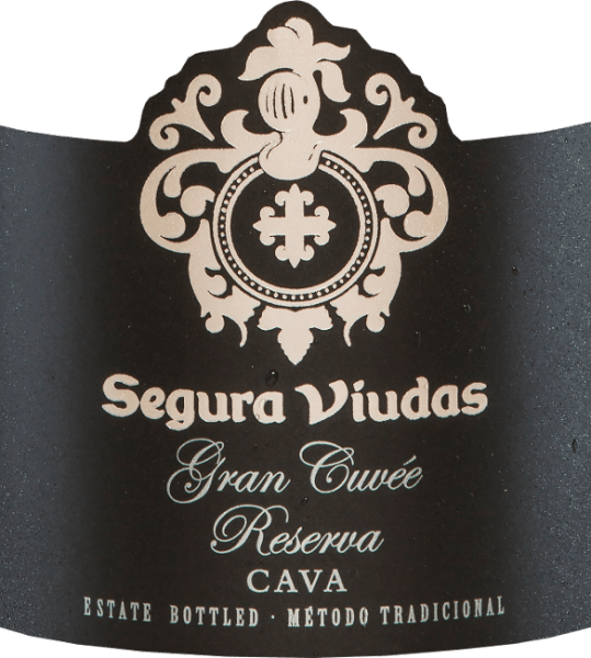 Segura Viudas' Gran Cuvée Reserva Brut DO is a cava of Chardonnay, Macabeo, Parellada and Pinot Noir grape varieties. In the glass it shines with brilliant golden yellow and glittering reflections. The bouquet of this Spanish sparkling wine reveals complex aromas of yellow fruits, especially mirabelles with a hint of banana. The aromas of the nose of citrus fruits and notes of white flowers are underlined. On the palate, the Gran Cuvée Reserva Brut by Segura Viudas is  very fine with intense fruit and balanced acidity. A very elegant cava that will definitely be remembered. Vinification of the Gran Cuvée Reserva Brut by Segura Viudas After the grapes for this cava have been harvested by hand, they are mashed and the must pressed. It is then fermented in a temperature-controlled manner in the stainless steel tank. The second fermentation in the bottle is followed by a 15-month bottle maturation on the whole yeast before the Gran Cuvée Reserva is finally degorged. Food recommendation for the Gran Cuvée Reserva Enjoy this Spanish sparkling wine with plaice fillet on a vegetable bed, salmon in puff pastry or with all sushi variations. Awards for the Segura Viudas Cava Gran Cuvée Mundus Vini: Gold The Champagne & Sparkling Wine World Championships UK: Gold