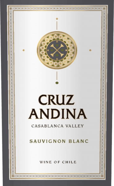 The Sauvignon Blanc from Cruz Andina is a pure white wine from the Sauvignon Blanc grape variety. A bright lemon yellow glows in the glass. The bouquet is carried by intense aromas of lemon and lime. The impression of fine herbal nuances is accompanied. On the palate, this Chilean white wine is fresh with spicy acidity in the finish. Food recommendation for the Cruz Andina Sauvignon Blanc This white wine from Chile is a great treat for all kinds of asparagus dishes, sushi variations - from Maki to Inside Out Maki to Nigiri - and cream cheese.