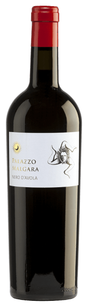 The bright red colour of the Nero d 'Avola by Palazzo Malgara is reminiscent of a radiant ruby. This red wine has an intense bouquet reminiscent of lush, ripe, dark and red fruits such as blackberries and mulberries. On the palate shows a full, juicy and harmonious character with beautifully balanced fruit acid and emphasizes subtle tannins. In the persistent finish, the beautiful dark fruit as well as a juicy note are noticeable again. Vinification of the Malgara Nero d 'Avola After careful harvesting, the grapes of the Palazzo Malgara vineyard are destemmed and mashed. The resulting mash is fermented in the stainless steel tank and rests there until bottled. Food recommendation for the Nero d 'Avola Palazzo Malgara As an accompaniment to sausage specialities or to warm and cold tapas, this Italian red wine is a real treat.