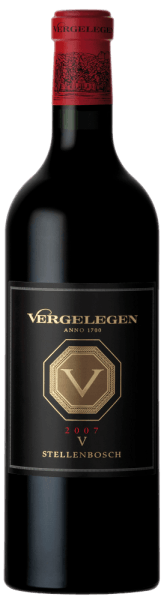 This barrique-aged blend of Cabernet Sauvignon, Merlot and Cabernet Franc is characterized by a diverse bouquet. The laying V by Vergelegen spoils with a scent of blackberries, blackcurrants, spices and cedar wood. This richness of flavors and softness provide a superior taste experience. Serve it with ostrich or springbok.