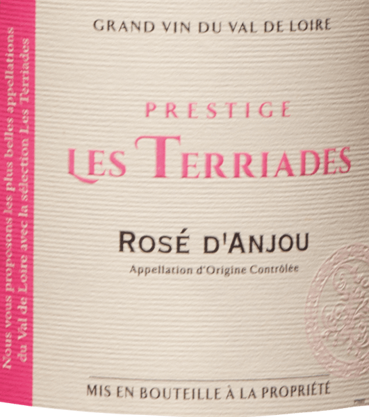 The Rosé d 'Anjou Les Terriades AOC from Les Caves de la Loire is a fruity rosé wine from France from the Groslot and Gamay grape varieties. In the glass it shimmers delicately pink with violet reflections. On the nose, this rosé presents a bouquet with aromas of berries, raspberries, wild strawberries and gooseberries, with slight spicy notes in the background. On the palate fresh and juicy with full fruit and delicate sweetness, elegant and balanced. Food recommendation for the Rosé d 'Anjou Les Terriades by Les Caves de la Loire This fruity Frenchman from the Loire Valley is recommended as an aperitif with light appetizers, desserts with fruit or exotic dishes.