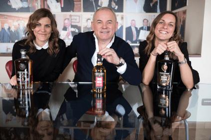 Roberto Castagner mit seinen Töchtern