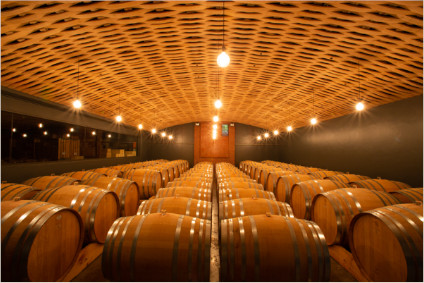 The Stellenbosch wines mature in French oak barrels.
