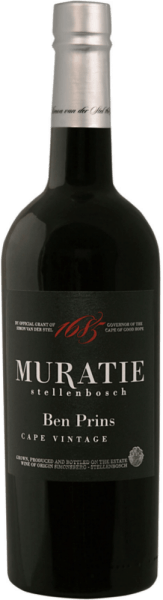 The Ben Prins from Muratie Estate reveals itself in a very dark red glass and unfolds the wonderful aromas of bitter chocolate, black cherries and roasted hazelnuts. This port wine from South Africa delights on the palate with the notes of liquorice, clove and cinnamon. The Ben Prins harmoniously combines fruit with acid and alcohol. Pleasant tannins and a long reverberation round off this fortified wine. Vinification of the Muratie Estate Ben Prins This port is made from the grape varieties Tinta Barocca, Tempranillo, Tinta Roritz, Tinta Francesca and Souzao. The hang-harvested grapes are pressed, destemmed and pumped into classic fermenters. After fermentation and spraying, this South African vintage port is stored in French oak barrels for at least 2 years. Food recommendation for the Muratie Estate Ben Prins Enjoy this port classically as a digestif, with desserts or with game and matured cheese. Muratie Estate Ben Prins Awards John Platter Wine Guide 2018: 4 Stars