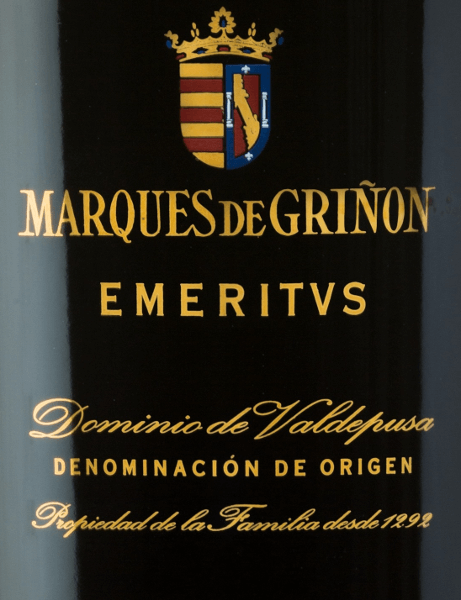 The EmeritusDominio de Valdepusa from Marques de Grinonis an expressive, complex red wine cuvée from the Cabernet Sauvignon (83%), Petit Verdot (11%) and Syrah (6%) grape varieties. In the glass, this Spanish wine shines in a dark ruby red with slight violet reflections. The intense and complex bouquet shows complex aromas of dark red and black forest berries, complemented by mint, fine cedar wood, wild roses, cloves, lavender and peppers. On the palate, this cuvée reveals itself as a spectacular and extraordinary wine of enormous length. Vinification ofthe Marques de GrinonEmeritus The grapes grow in the Spanish cultivation region D.O. Dominio de Valdepusa on 5 year old vines. The soils are rich in lime and clay. The reading period starts in mid-September and lasts until mid-October. The grapes are carefully picked by hand and strictly selected. The vineyard is gently pressed in the wine cellar of Marques de Grinon. The resulting mash is then fermented in stainless steel tanks in a temperature-controlled manner. This Spanish red wine is rounded off for a total of 24 months in French oak wooden barrels. Food recommendation for theEmeritus Dominio de Valdepusa Marques de Grinon Enjoy this dry red wine from Spain with game dishes - especially deer roast or venison spine with cranberries. You should decant this red wine from Pago Dominio de Valdpusa at an early stage before enjoying it. Awards for the EmeritusMarques de Grinon Vinous: 92 points for 2011 Guìa Peñìn: 94 points for 2011 Wine Enthusiast: 92 points for 2011