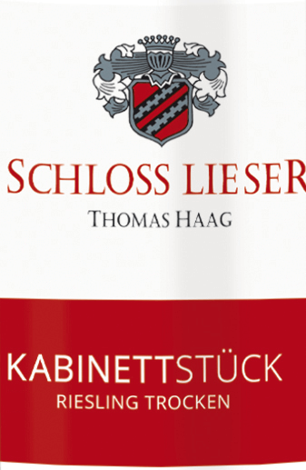 The Riesling trocken cabinet piece from Schloss Lieser is a fine juicy, extract-sweet and grape-varietal white wine from the German wine growing region Moselle. This wine shines in a light straw yellow colour with bright golden highlights in the glass. The nose is enchanted by a fruity bouquet. It unfolds a fruity aroma of green pears and ripe quinces - accompanied by mineral notes. On the palate, this German white wine presents itself with a fine juicy texture and a slim, finely limbed body. The minerality is also present - but is not in the foreground. The fine fruit fullness and the subtle extract sweetness are very well integrated and accompany in the long, complex finale. Food recommendation for Schloss Lieser Kabinettstück Riesling dry This dry white wine from Germany is excellent with Mediterranean garlic shrimp, plaice Finkenwerder type with potato cucumber salad or with stuffed turkey rolls with Parma ham.
