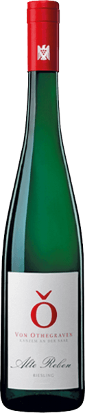Altenberg Riesling Old Vines Late harvest of Von Othegraven exudes an intense bouquet with the aromas of flowers and sweet notes of apricot. On the palate, this Riesling is clear and delicately juicy with an animating fruit game of apricots, mirabelles and tropical fruits. Bright flowers complete the taste experience of this vibrant and fresh wine. A hint of minerality leads to a long fruity finale. Food recommendation for the Von Othegraven Altenberg Riesling Alte Reben Spätlese Enjoy this sweet wine with cakes, ice cream or chocolate.