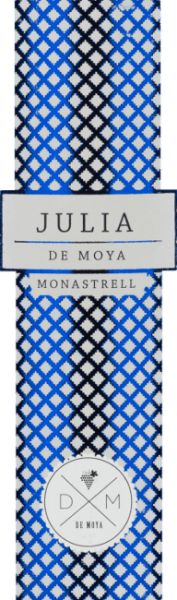 The Julia Monastrellfrom Bodega De Moya is a full-bodied, grape-varietal wine from the Valencia region. This red wine is dedicated to his mother-in-law Julia. In the glass, this wine shines in a clear ruby red with light red reflections. The bouquet reveals a multi-layered, multi-faceted aroma: juicy blackberry and raspberry meets ripe currant with gentle hints of roasted notes. The aromas of the nose of elderberry and cedar are underlined. The fresh acidity on the palate harmonizes wonderfully with the berry, woody variety of aromas and the round, structured body. The finale impresses with its wonderful length. Vinification ofJulia Monastrell De Moya The Monastrell grapes for this red wine come from 60-year-old vines in the vineyards of Vall d-Albaida and are carefully picked by hand. The crop is already harvested in the vineyard and harvested in 15 kg boxes. At 4 degrees Celsius, the grapes are cooled for 24 hours before the mash begins in 1000 liters of wooden barrels at a controlled temperature. The fermentation process and maceration of this wine are about 26 to 34 days. The pomace hat is dipped regularly. The wood ageing of this Spanish red wine takes place in selected, new French oak barriques for a total of 18 months. Food recommendation for Bodega De MoyaJulia Monastrell Enjoy this dry red wine from Spain with dishes of Asian cuisine or Italian classics, such as homemade pizza with spicy salami or spaghetti bolognese. We recommend decanting this wine. Awards for the Monastrell Julia by De Moya Mundus Vini: Silver for 2015