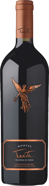 The excellent, outstanding Montes Taita is 85% vinified from Cabernet Sauvignon grape variety. The remaining 15% will be supplemented by further red grape varieties. In the glass shows an intense ruby red shimmering with dark red reflections. The bouquet pampers the nose with intense aromas of juicy blackberries, ripe heart cherries, fresh currants and dark chocolate. The aromas of the nose are accompanied by subtle hints of thyme, baked fruits and wood nuances. On the palate, this top red wine from Chile reveals silky soft tannins as well as a powerful, excellently balanced body. The fine fruit acid is balanced and shows itself in a wonderful harmony with intense black fruits. Fresh cedar wood and mineral hints also accompany the aromas of the palate. The finale is elegant and very long. The Montes Taita comes in a high-quality wooden box of 1. Vinification of the Taita of Montes The hand-picked, optimally ripe grapes are traditionally fermented on the mash and aged in new French oak barrels for 24 months after completion of the fermentation period. The wood of the French oak has a fine-pored structure, which allows this wine to breathe perfectly during the ageing. The medium toasting of the barrels gives this red wine its subtle roasting aromas. After the barrel has been aged, this red wine is easily filtered. The Montes Taita then matures on the bottle for at least 3 years before it is released for trading. Food recommendation for the Montes Taita Enjoy this exquisite red wine from Chile with roasted duck leg with red cabbage and potato dumplings, lamb shoulder in oriental seasoning or with entrecotes and wild ragout. Awards for Taita Montes Robert M. Parker - Wine Advocate: 93+ points for 2010