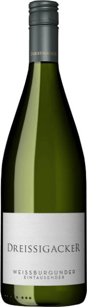The Pinot Blanc litre from Dreissigacker comes into the glass with bright platinum yellow and convinces with a cool scent of mineral stone and nuts fruit with fresh herbs. The crystal-clear, finely juicy and cool taste with its stimulating freshness and delicate minerality is reminiscent of ripe pears and apples with a hint of herbality. Despite the tight body with backbone and strength, the Pinot Blanc retains an elegant and slim structure in the liter bottle of Dreissigacker. In the final characterful style with length and depth, which ensures excellent drinking flow in this Rheinhessischer Weißburgunder. Food recommendation for the Pinot Blanc Litre from Dreissigacker Enjoy this classic from Dreissigacker pure or as a spritzer with light summer salads and fish dishes.
