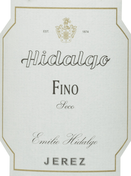 Emilio Hidalgo's Fino Jerez Seco is a dry sherry from the Palomino Fino grape variety and is presented in the glass in a light straw yellow colour. In the nose, this sherry develops an intense bouquet of nutty notes and delicate wild flowers. The aromas of the nasal corals are reminiscent of bread and yeast. On the palate there is a delicate, light and elegant taste with a nutty aroma - especially almonds and walnuts come to the fore. This refreshing sherry finishes with a long finish. Vinification of Emilio HidalgoFino Jerez Seco The grapes harvested by hand are destemmed, gently pressed and the must produced therefrom is fermented in a temperature-controlled manner in a stainless steel tank. This young wine is then drawn off, sprayed on and placed in American oak barrels for the first ripening. The barrels are filled only to a certain extent (maximum 85%), so that the characteristic pile (a yeast layer) can develop, which seals the wine airtight and gives it the sherry-specific aroma. After maturation, this wine is transferred to the traditional Solera system, in which sherries of the same type are aged in barrels arranged one above the other for three to ten years. The oldest wines are stored in the lower barrels (Solera), while the youngest wines are stored in the upper rows (Criaderas). The sherry intended for sale is always removed from the lower barrels. In this case, however, only a small part (a maximum of one third) is removed and the removed part is then filled up by sherry from the upper rows. The whole principle continues to the uppermost barrels, where young wine, the Mosto, is added to the sherry. Food recommendation for the Fino Jerez Seco Hidalgo We recommend this dry sherry as a refreshing aperitif or accompaniment to salads, tapas, sushi, shellfish and fish.