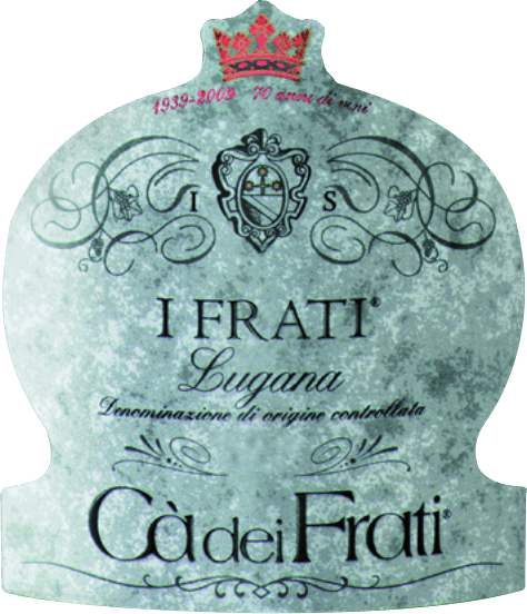 The I Frati Lugana of Cà dei Frati is the pride of the winery and is vinified from the local grape variety Turbiana (Trebbiano). In the glass, this wine shines in a clear straw yellow with golden highlights. The bouquet is wonderfully multifaceted - at a young age, the nose is spoiled by fine notes of white flowers, juicy apricots and almonds. When this Italian white wine is given time, mineral and spicy nuances and caramelised aromas are added. On the palate, this wine is wonderfully full-bodied with a vital and exuberant acidity. The spicy essence is perfectly integrated into the straight, mineral and elegant body. This white wine impresses with its finesse, complex personality and expressive variety of aromas.  Vinification of the  Cà dei Frati Lugana After the grapes have been carefully harvested, they are immediately taken to the  Cà dei Frati winery. The must is fermented in a stainless steel tank and left on the fine yeast for at least 6 months (sur Lie ageing). Finally, this wine matures for another 2 months on the bottle.  Food recommendation for the Lugana Cà dei Frati Enjoy this dry white wine from Italy with lukewarm appetizers or with grilled fish with parsley potatoes. Awards for I Frati Lugana Falstaff: 92 points for 2017 Mundus Vini: Italy's best white wine for 2017 Vinum: 17/20 points for 2017 Wine Enthusiast: 91 points for 2015