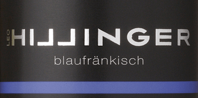 TheBlaufränkisch by Leo Hillinger is a wonderful, grape varietal red wine from the Austrian wine region Burgenland. In the glass, this organic wine shimmers in a rich ruby red with violet highlights. The intense bouquet is determined by aromas of dark berries (blackberry, blueberry and blackcurrant), juicy cherries and mineral hints with fine spice. On the palate, this Austrian red wine presents itself with smooth tannins that harmonize wonderfully with the notes of the nose. The powerful, round body accompanies you to the pleasantly long finale. Food recommendation for the Leo Hillinger Blaufränkisch This dry red wine from Austria goes perfectly with oven-fresh roasts in dark sauce, goulash with noodles, moussaka or also with matured mountain cheeses.