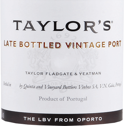The Late Bottled Vintage by Taylor's Port from the Portuguese wine region DOC Douro is an aromatic, lush port wine from the Tinta Roriz, Tinta Barocca, Touriga Nacional, Touriga Francesa and Tinta Cao grape varieties. The deep red color of this port is reminiscent of a sparkling ruby with black-purple highlights. The nose reveals a complex, dense aroma of ripened black fruits (blackberry, blackcurrant and elderberry) together with subtle nuances of herbs and ink as well as a fine mineral touch. Very concentrated and lush – but at the same time velvety soft – with a good body, this port presents itself on the palate. The dark berry fruit of the nose is reflected and accompanies in the long finale, which is accompanied by a sweet-spicy touch. Vinification of Taylor's Port LBV The grapes for this port are carefully picked by hand and immediately brought to the wine cellar of Taylor's Port. There, the harvested material is first rammed into lagares and the mash is sufficiently rolled. The mash is then fermented at a maximum temperature of 30 degrees Celsius.As soon as half of the sugar has been fermented, the fermentation process is stopped by the addition of high-percentage distillate. This preserves this wine's natural residual sweetness. Finally, this port is matured for 4 years in wooden barrels (volume 600 liters). Food recommendation for the Late Bottled Vintage Taylor's Port This sweet port wine goes perfectly with spicy blue cheese - such as Blue Stilton or Roquefort - and chocolate desserts with homemade fruit compote. Awards for Taylor'sLate Bottled Vintage Wine Spectator: 91 points for 2013